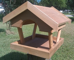 Cedar Fly through platform feeder