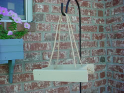 Rope hung platform feeder